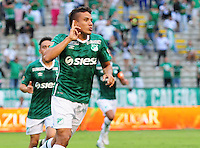 PALMIRA -COLOMBIA-07-02-2016. Andrés F. Roa (Der) jugador del Deportivo Cali celebra después de anotar un gol a Deportes Tolima durante partido por la fecha 3 de la Liga Aguila I 2016 jugado en el estadio Palmaseca de la ciudad de Palmira./ Andrés F. Roa (R) player of Deportivo Cali celebrates a goal against Deportes Tolima during match for the date 3 of the Aguila League I 2016 played at Palmaseca stadium in Palmira city. Photo: VizzorImage/ NR /Cont