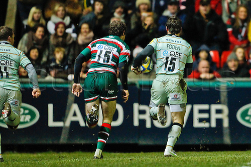 08.01.2011 Ben Foden breaks the Leicester defence in the first minute of the game to score for Northampton. Aviva Premiership Rugby from Welford Road Leicester Tigers v Northampton Saints.  Final score: Leicester 27-16 Northampton.