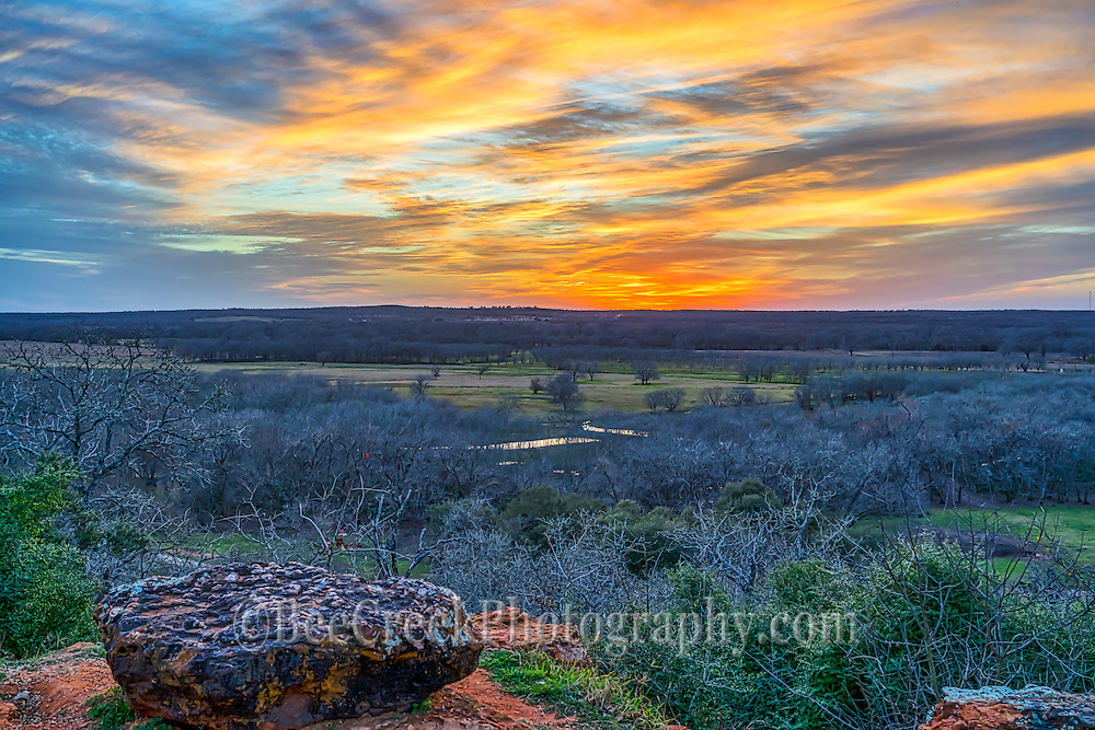 Another view of this wonderful scenic Texas landscape after sunset.  We thought the show was over, but all of the sudden the sky lit up with these wonderful colors over this big Texas scenic overlook right before dusk set in.