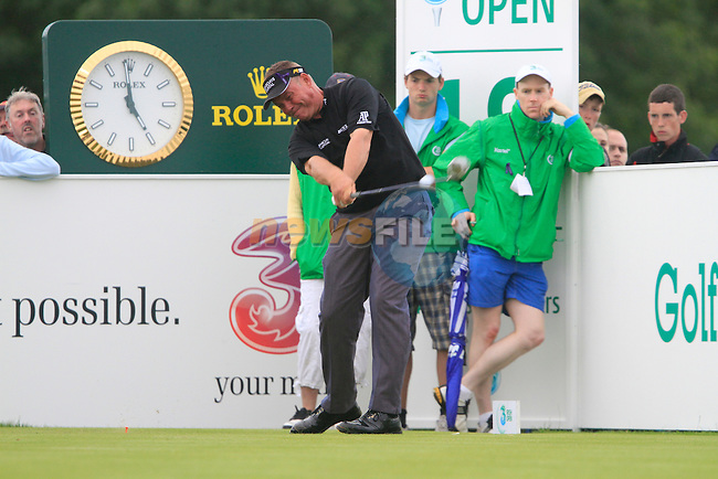 Darren Clarke tees on the 18th tee during Day 2 of the 3 Irish Open at the Killarney Golf & Fishing Club, 30th July 2010..(Picture Eoin Clarke/www.golffile.ie)