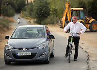 Pictured L-R: Nick Fagge of Mail online and Andy Lines, Daily Mirror reporter at the second site in Kos, Greece. Wednesday 12 October 2016<br />