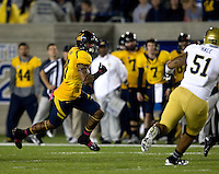 Keenan Allen of California runs the ball after catching the pass during the game against UCLA at Memorial Stadium in Berkeley, California on October 6th, 2012.  California defeated UCLA, 43-17.