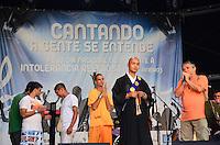 RIO DE JANEIRO, RJ, 24.01.2014 - EVNTO CONTRA INTOLERÂNCIA RELIGIOSA / RJ- Movimentação no evento contra a intolerância religiosa, na tarde desta sexta-feira (24), na Cinelândia, no centro do Rio de Janeiro. (Foto: Marcelo Fonseca / Brazil Photo Press).