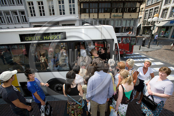 HASSELT - BELGIUM - 02 JULY 2008 --  The city of Hasselt has introduced a free public transport service since 1. July 1997. Here people boarding the Centrumpendel bus at the Grote Markt (Town square. Photo: Erik Luntang/EUP-IMAGES..