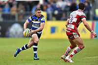 George Ford of Bath Rugby goes on the attack. Aviva Premiership match, between Bath Rugby and Gloucester Rugby on April 30, 2017 at the Recreation Ground in Bath, England. Photo by: Patrick Khachfe / Onside Images