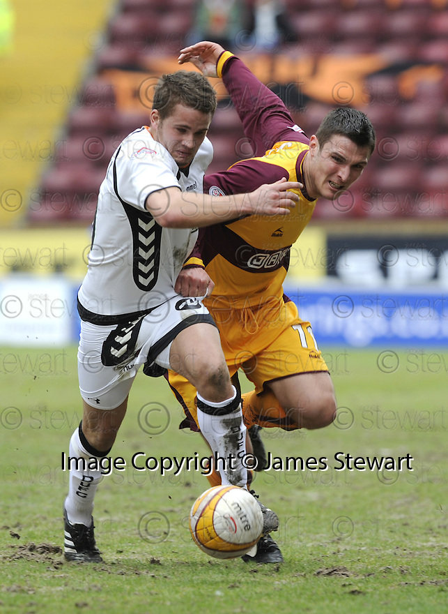 14/03/2009  Copyright Pic: James Stewart.File Name : sct_jspa27_motherwell_v_dundee_utd.JAMES WESOLOWSKI AND JOHN SUTTON CHALLENGE.James Stewart Photography 19 Carronlea Drive, Falkirk. FK2 8DN      Vat Reg No. 607 6932 25.Telephone      : +44 (0)1324 570291 .Mobile              : +44 (0)7721 416997.E-mail  :  jim@jspa.co.uk.If you require further information then contact Jim Stewart on any of the numbers above.........