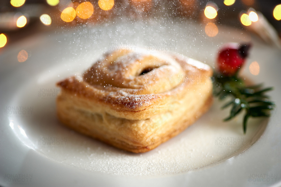 Mince Pie by Heston Blumenthal for Waitrose. Sprinkled with Pine Sugar. It was delicious.