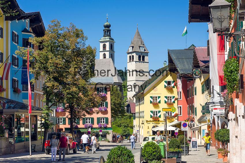 Austria, Tyrol, Kitzbuehel: town centre with parish church St. Andrew and Church of our Lady   Oesterreich, Tirol, Kitzbuehel: Zentrum mit Pfarrkirche Zum Hl. Andreas und Liebfrauenkirche