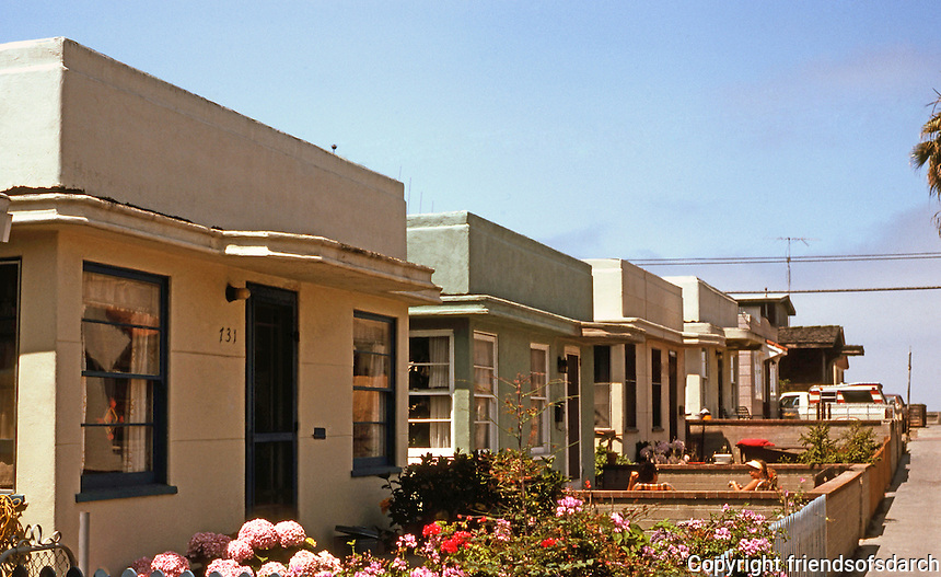 San Diego: 1930's Moderne Bungalows, Yarmouth Ct. in Mission Beach. (Photo '82)