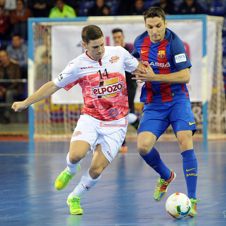 League LNFS 2016/2017 - Game 8.<br /> FC Barcelona Lassa vs ElPozo Murcia: 2-3.<br /> Fernando Aguilera vs Dyego.