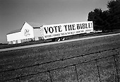 Wilmington, Ohio.USA.October 25, 2004..Farm sign.