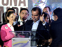 BOGOTA – COLOMBIA -15-06-2014: Oscar Iván Zuluaga candidato a la presidencia por el grupo político Centro Democrático se dirige a sus seguidores durante  Elecciones Presidente de Colombia en la ciudad de Bogotá. El|Presidente Candidato Juan Manuel Santos es reelecto segun cifras oficiales . / Oscar Ivan Zuluaga presidential candidate by the political group Democratic Centre speaks to supporters during the elections in the President of Colombia in Bogotá. Candidat President Juan Manuel Santos was reelected as President of Colombia according official results.  Photo: VizzorImage / Luis Ramirez / Staff