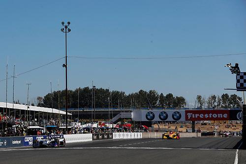 Takuma Sato, Rahal Letterman Lanigan Racing Honda takes the checkered flag