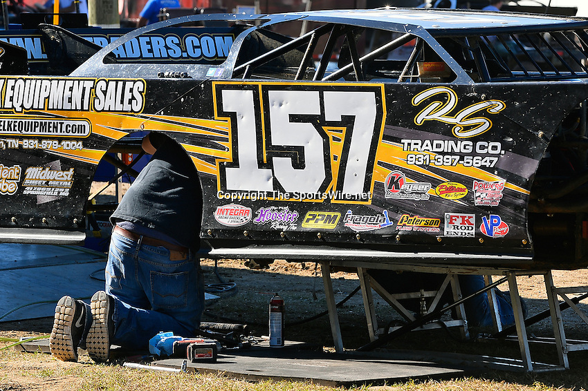 Feb 16, 2014; 3:20:40 PM; Ocala, FL., USA; The Third Annual Bubba Army Winter Nationals World Of Outlaws Super Late Models paying $12,000 to win at Bubba RaceWay Park.  Mandatory Credit: (thesportswire.net)