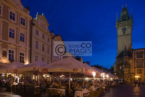 STREET CAFES CLOCK TOWER OLD TOWN SQUARE STAROMESTSKE NAMESTI PRAGUE CZECH REPUBLIC