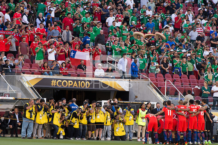 Action photo during the match Mexico vs Chile, Corresponding to the quarterfinals of the America Cup Centenary 2016 at Levis Stadium.<br /> <br /> Foto de accion durante el partido Mexico vs Chile, Correspondiente a los Cuartos de Final de la Copa America Centenario 2016, en el Estadio Levis, en la foto: Chile<br /> <br /> <br /> 18/06/2016/MEXSPORT/Jorge Martinez.