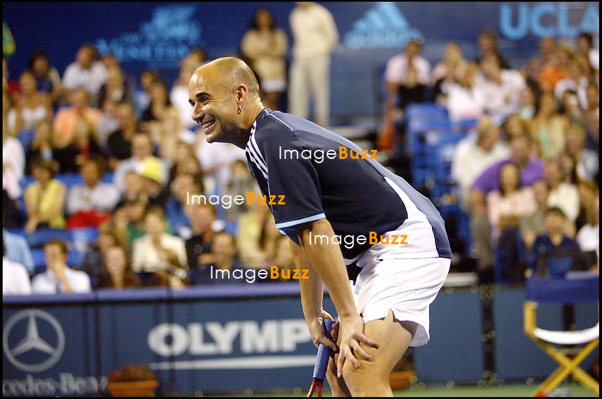 "ANDRE AGASSI - ""NIGHT AT THE NET"", TOURNOI DE TENNIS AU BENEFICE D' UNE ASSOCIATION CARITATIVE..ANDRE AGASSI AT THE "" NIGHT AT THE NET "" CHARITY EVENT AT THE LOS ANGELES TENNIS CENTER AT UCLA IN WESTWOOD..LOS ANGELES, JULY 25, 2005."