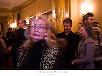 Stara istrosena gospodza. / The old worn lady..