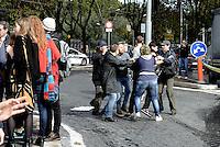 Roma, 7 Ottobre 2016<br /> Spintoni e tensione tra polizia e studenti, un giovane viene fermato.<br /> Manifestazione delle scuole contro la riforma , il governo Renzi e il referendum costituzionale