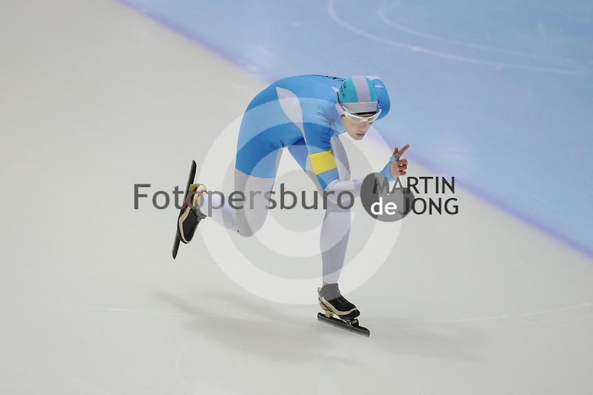 SCHAATSEN: HEERENVEEN: IJsstadion Thialf, 13-10-2012, Trainingswedstrijd, Marrit Leenstra, ©foto Martin de Jong