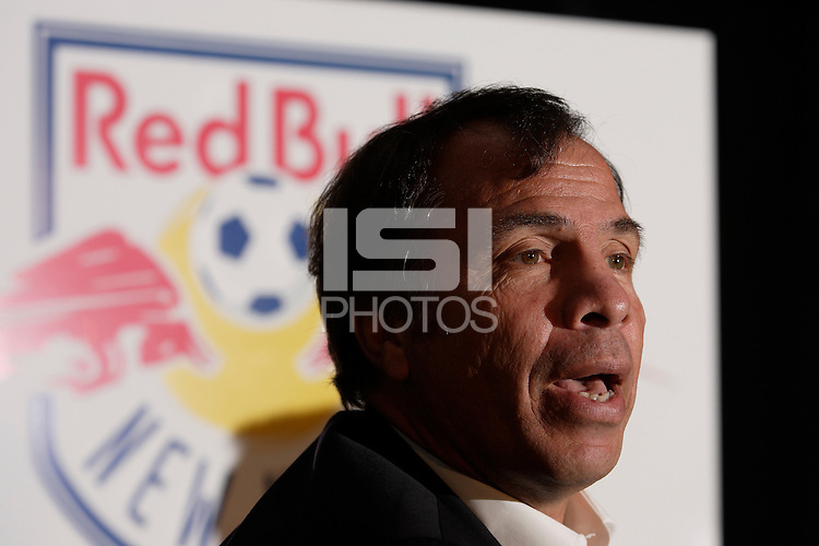 Red Bulls head coach Bruce Arena addresses the media during the NY Red Bulls media day at the Hotel Gansevoort, N. Y., N. Y., on March 21, 2007.