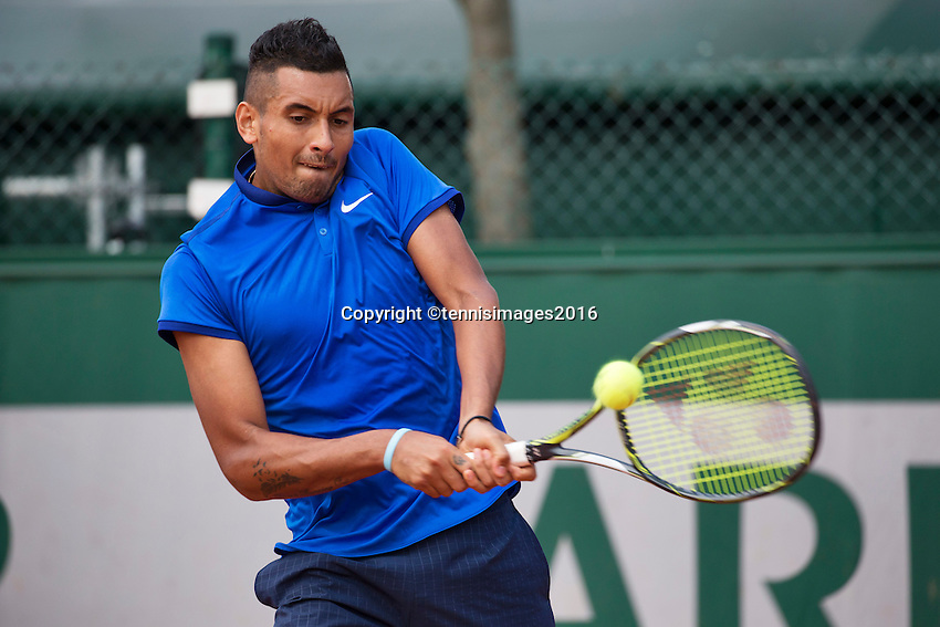 Paris, France, 25 June, 2016, Tennis, Roland Garros, Nick Kyrgios (AUS) in his match against Igor Sijsling (NED)<br /> Photo: Henk Koster/tennisimages.com