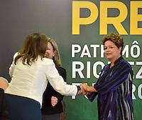 BRASÍLIA, DF, 02.12.2013 – AGENDA PRESIDENTE DILMA – ASSINATURA DO CONTRATO PRÉ SAL – A presidente Dilma Russeff durante assinatura do primeiro contrato de partilha do Pré Sal, nesta segunda-feira, 02. (Foto: Ricardo Botelho / Brazil Photo Press).