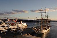 Hafen von Ponta Delgada auf der Insel Sao Miguel, Azoren, Portugal