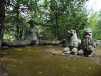 Bomarzo, Viterbo - Parco dei Mostri o Sacro Bosco, complesso monumentale realizzato nel 1547con grandi sculture di figure mitologiche del genere grotesque. Furia<br /> Bomarzo, Viterbo - Monster Park or Sacro Bosco, a monumental complex built in 1547 with large sculptures of mythological figures such grotesque. Furia