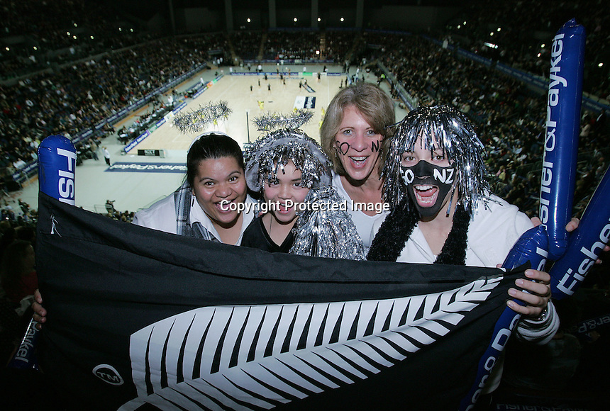 18.07.2007 Vector Statium during the Silver Ferns v Australia Fisher and Paykel Netball Test Match at Vector Arena, Auckland. Mandatory Photo Credit ©Michael Bradley Photography (Pic: Hannah Johnston).