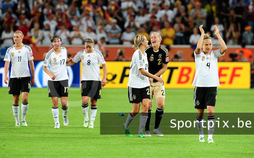 Fifa Women's World Cup Germany 2011 : France - Germany ( Frankrijk - Duitsland ) at Munchengladbach World Cup stadium : vreugde bij Duitsland tijdens hun ereronde na de wedstrijd.foto DAVID CATRY / Vrouwenteam.be