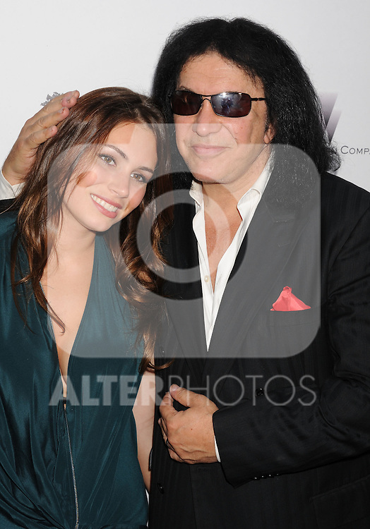 HOLLYWOOD, CA - AUGUST 22: Sophie Simmons and Gene Simmons arrive at the 'Lawless' Los Angeles Premiere at ArcLight Cinemas on August 22, 2012 in Hollywood, California. /NortePhoto.com....**CREDITO*OBLIGATORIO** *No*Venta*A*Terceros*..*No*Sale*So*third* ***No*Se*Permite*Hacer Archivo***No*Sale*So*third*