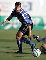 18 June 2005:  Eddie Robinson of Earthquakes in action against Real Salt Lake at Spartan Stadium in San Jose, California.    Earthquakes defeated Real Salt Lake, 3-0.   Mandatory Credit: Michael Pimentel / ISI