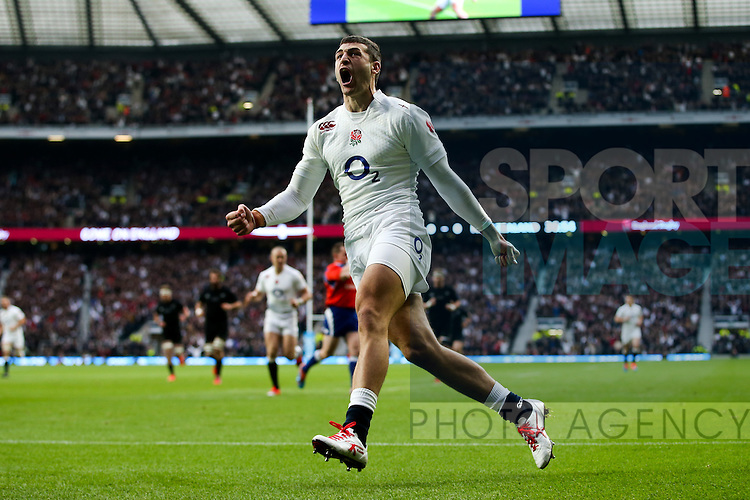 England's Jonny May scoring his side's 1st try - QBE Autumn Internationals - England vs New Zealand - Twickenham Stadium - London - 08/11/2014 - Pic Charlie Forgham-Bailey/Sportimage