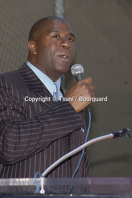 Magic Johnson received a star on the Hollywood Blvd Walk of Fame in Los Angeles June 21, 2001 © Tsuni          -            MagicJohnson_star132.jpg