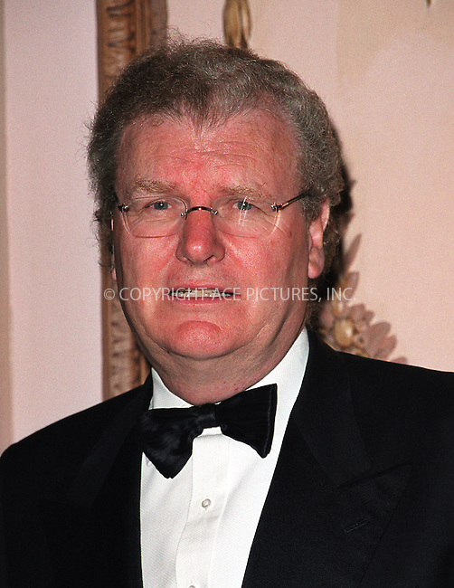 Howard Stringer at the Directors Guild of America Honors 2002 at the Waldorf-Astoria in New York City. June 9, 2002. Please byline: Alecsey Boldeskul/NY Photo Press.   ..*PAY-PER-USE*      ....NY Photo Press:  ..phone (646) 267-6913;   ..e-mail: info@nyphotopress.com