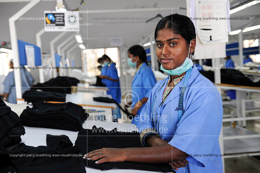 INDIA Tirupur , fair trade textile units , Assisi Garments produces organic and fairtrade garments for Export / INDIEN Tamil Nadu, Tirupur,  fairtrade Textilbetriebe , Herstellung von oekologischen und fair gehandelten Textilien bei Assisi Garments fuer den Export