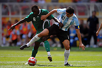 Juan Riquelme Argentina and Sani Kaita of Nigeria during the Olympic Games final. Argentina beats Nigeria 1-0 and won the gold medal <br /> National Indoor - Bird Nest - Football - Calcio<br /> Pechino - Beijing 23/8/2008 Olimpiadi 2008 Olympic Games<br /> Foto Andrea Staccioli Insidefoto