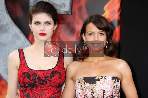 "Alexandra Daddario, Carla Gugino<br /> at the ""San Andreas"" Los Angeles Premiere, TCL Chinese Theater, Hollywood, CA 05-26-15<br /> David Edwards/DailyCeleb.Com 818-249-4998"