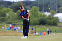 Rickie Fowler (USA) chips on the 8th green during Saturday's Round 3 of the 117th U.S. Open Championship 2017 held at Erin Hills, Erin, Wisconsin, USA. 17th June 2017.<br /> Picture: Eoin Clarke | Golffile<br /> <br /> <br /> All photos usage must carry mandatory copyright credit (&copy; Golffile | Eoin Clarke)