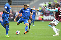 Cenk Tosun Of Everton shoots during West Ham United vs Everton, Premier League Football at The London Stadium on 13th May 2018