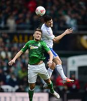 FUSSBALL   1. BUNDESLIGA   SAISON 2012/2013    28. SPIELTAG SV Werder Bremen - FC Schalke 04                          06.04.2013 Tom Trybull (li, SV Werder Bremen) gegen Ciprian Marica (re, FC Schalke 04)