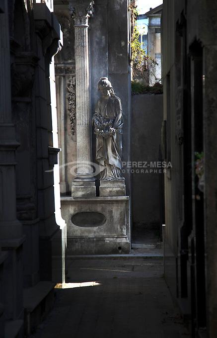 Images of La Recoleta Cemetery, Buenos Aires, Argentina