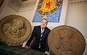 :: FIRST MINISTER ALEX SALMOND WITH THE ORIGINAL STIRLING HEADS THAT ARE BEING PUT ON PERMANENT DISPLAY AT STIRLING CASTLE :: THE FIRST MINISTER WAS AT THE CASTLE TO ANNOUNCE DETAILS OF THE RENAISSANCE ROYAL PALACE OPENING EVENT ::