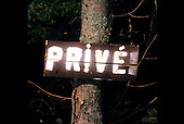 Prive, French private property sign