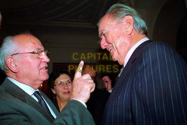MIKHAIL GORBACHEV.3 December 2003.pointing, headshot, portrait.www.capitalpictures.com.sales@capitalpictures.com.© Capital Pictures
