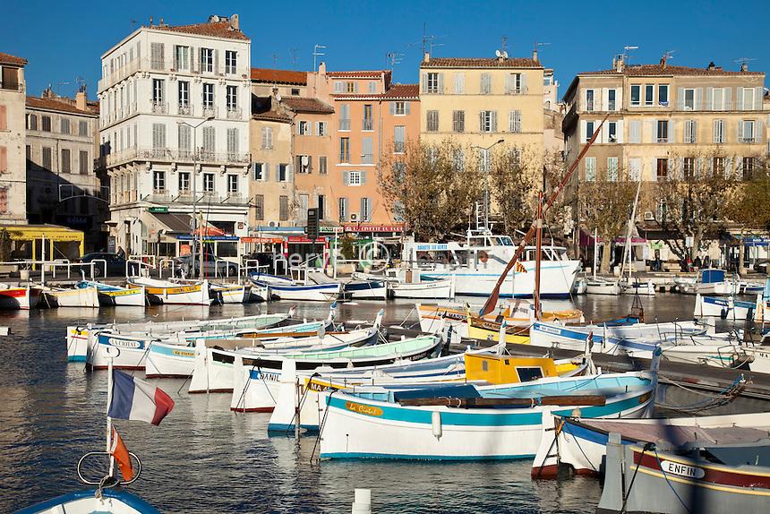 France, Bouches-du-Rhône (13), la Ciotat, le Vieux Port et le quai Ganteaume // France, Bouches du Rhone, la Ciotat, the old harbour and the Ganteaume bank