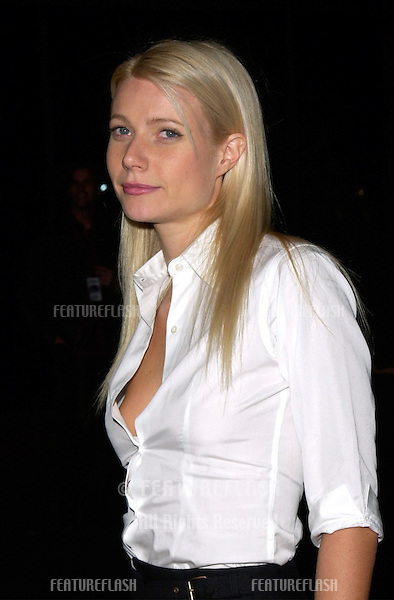 Actress GWYNETH PALTROW at the Los Angeles premiere of Snatch..18JAN2001.  © Paul Smith/Featureflash