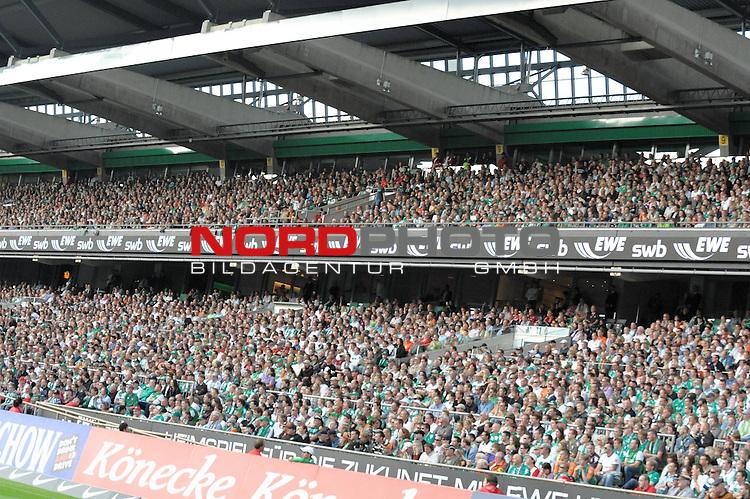 FBL 09/10  07. Spieltag Hinrunde / Weser Stadion<br /> Werder Bremen - Mainz05 3:0<br /> <br /> Feature - Anzeigenwerbung - Laufband<br /> Suedkurve - EWE SWB<br /> <br /> Foto &copy; nph ( nordphoto )
