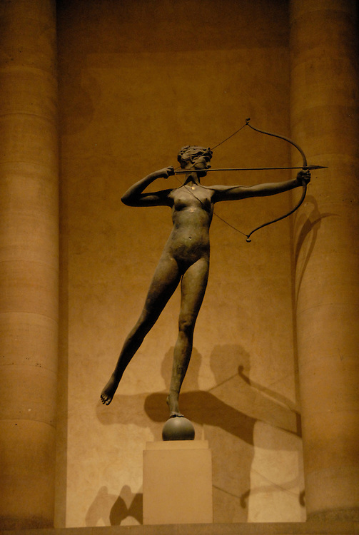 Philadelphia Museum of Art, Diana sculpture..Philadelphia, Pennsylvania, PA USA.  Photo copyright Lee Foster, 510-549-2202, lee@fostertravel.com, www.fostertravel.com. Photo 211-30888